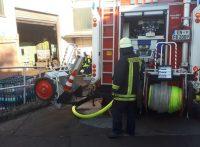 fw-en-brennt-filteranlage-im-industriebetrieb